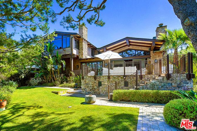 Pink-and-Carey-Hart-List-Malibu-Home-for-14-Million-Backyard