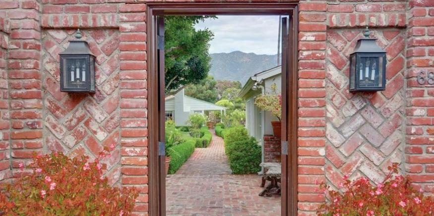 Jerry Perenchio Malibu Cottage